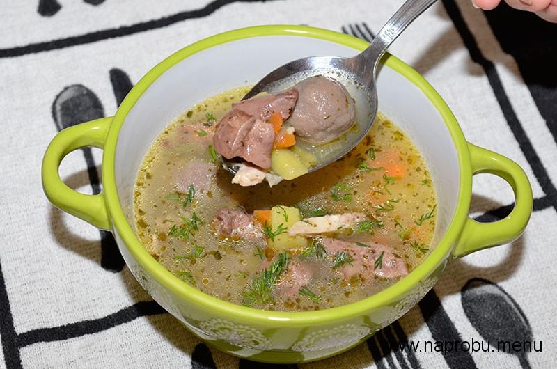 Суп с куриными потрошками и гречневыми галушками
